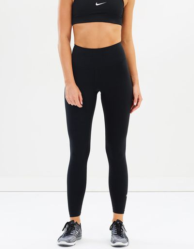 "<a href=""https://www.theiconic.com.au/women-s-nike-sculpt-lux-tights-489298.html"" target=""_blank"" title=""Women's Nike Sculpt Lux Tights in Black, $100"" draggable=""false"">Women's Nike Sculpt Lux Tights in Black, $100</a>"
