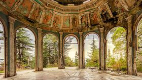 Eerie photo series reveal decaying beauty of abandoned republic