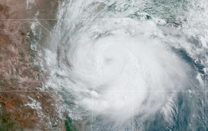 Virus-weary Texas braces for Hurricane Hanna's arrival