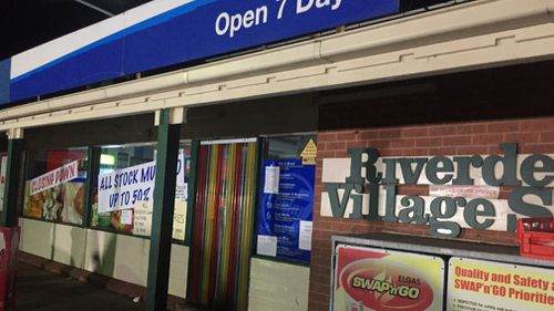 The shop has a closing down sign on its window. (9NEWS)