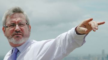 Andrew Bartlett has dismissed suggestions he is ineligible sit in the Senate due to being employed by a university at the time of the election (AAP).