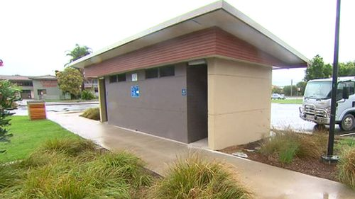 The toilet block at Clyde Street park in Bateman's Bay. (9NEWS)