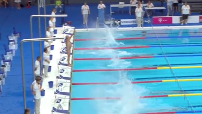 Swimmer stops for minute silence to honour Barcelona attack victims after FINA officials deny tribute request