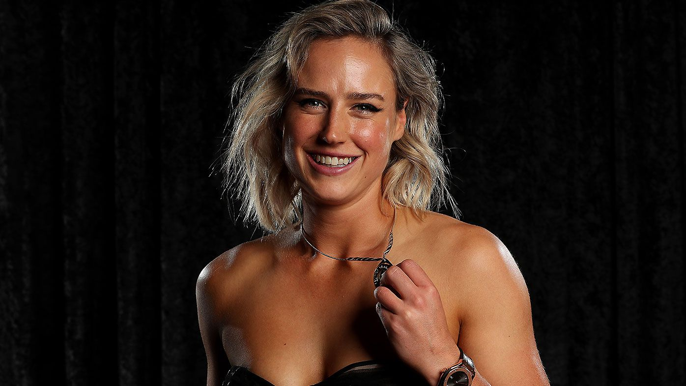 Ellyse Perry's Belinda Clark Award win almost overshadowed by Alyssa Healy's hilarious disappearing act