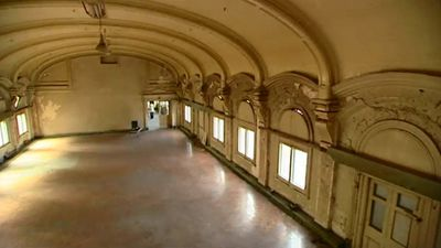 Many users of Flinders Street Station would be unaware of the grand ballroom going to waste above them. (9NEWS)