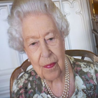 Queen seen for first time since Lilibet's birth