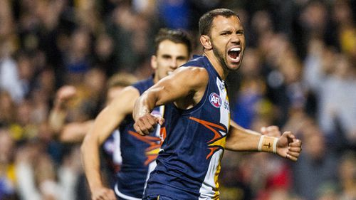 Eagles dominate Hawks in AFL final