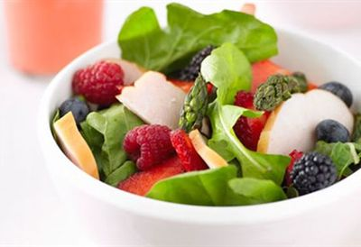 """<a href="""" /recipes/iduck/8298980/turkey-fig-and-duck-liver-salad  """" target=""""_top"""">Smoked chicken and berry salad with strawberry vinaigrette<br> </a>"""