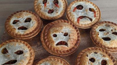 Moaning meat pies