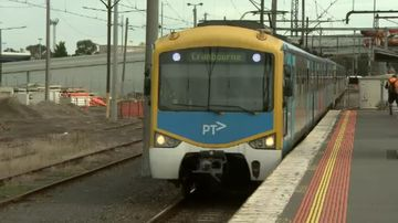 Matthew Guy pledges $487m to extend Cranbourne train line to Clyde