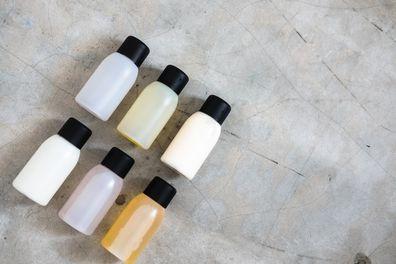 mini shampoo bottle