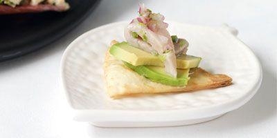 Tuna & avocado bites