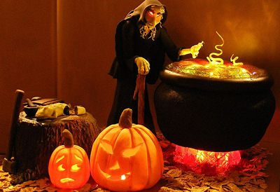 Witch's Kitchen cake