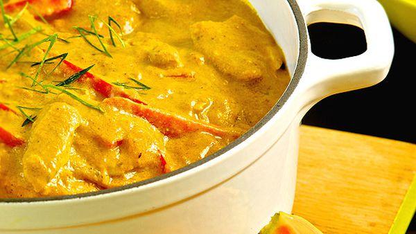 Papaya and chicken curry