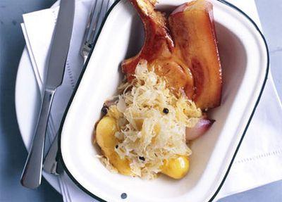 Kassler ribs with Dutch cream potatoes and sauerkraut