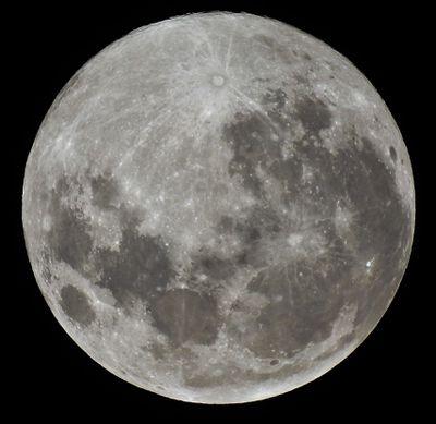 Super Snow Moon seen over Mt Gisborne, Victoria