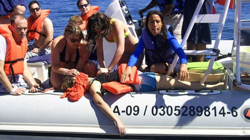 Rescuers tried saving tourist after boat hit by whale in Mexico