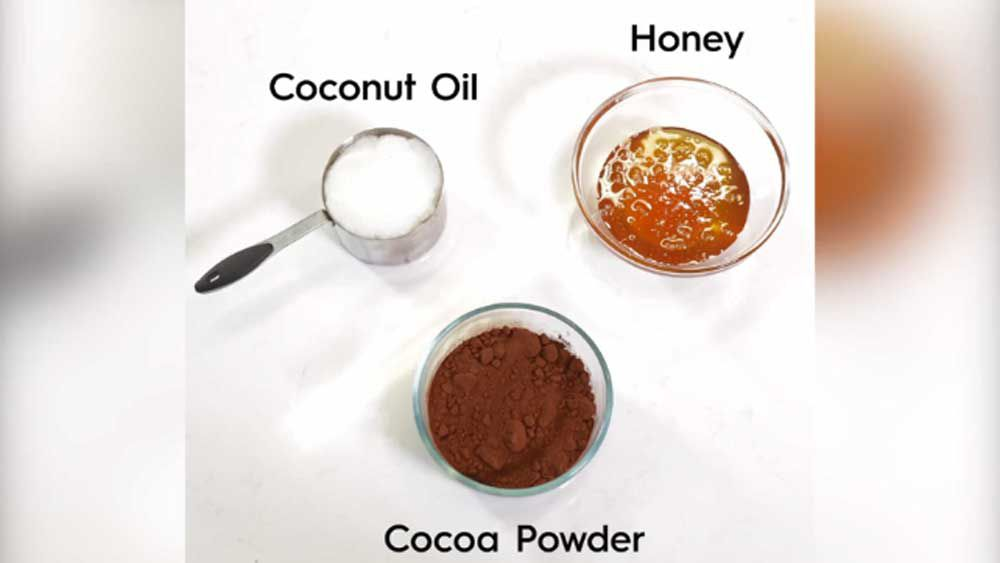 Three ingredients for healthy chocolate