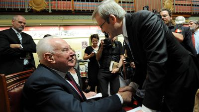 Whitlam congratulating former PM Kevin Rudd at his book launch in 2008. (AAP)