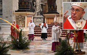 Pope holds Palm Sunday services without public amid coronavirus lockdown