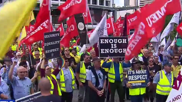 Hundreds of Brisbane bus drivers protest safety and pay