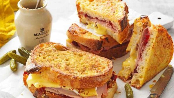 Ham, cranberry and camembert french toast recipe