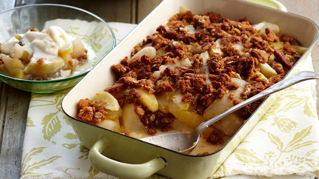 Apple, pear & Anzac biscuit crumble