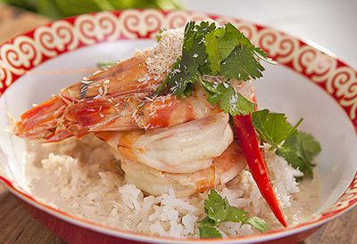 Coconut poached prawns