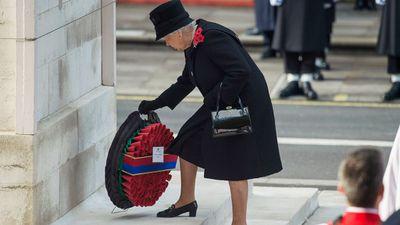 <p>Queen Elizabeth breaks a decades-old tradition. </p>