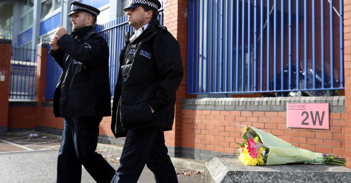 Police officer shot dead by suspect at London police station – 9News