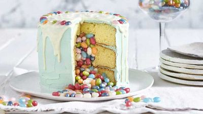 Jelly Belly piñata cake