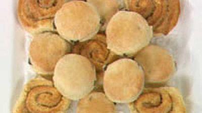 """<a href=""""http://kitchen.nine.com.au/2016/05/17/18/10/sultana-scones"""" target=""""_top"""">Sultana scones</a> recipe"""