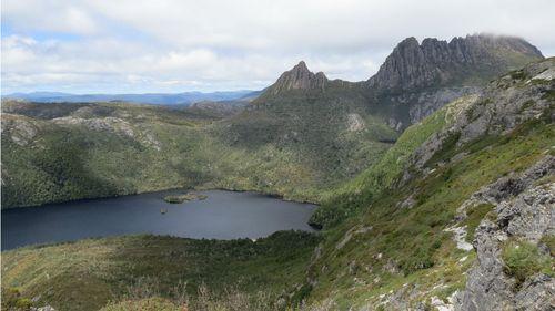 Injured Taiwanese bushwalker to spend third night in Tasmanian wilderness