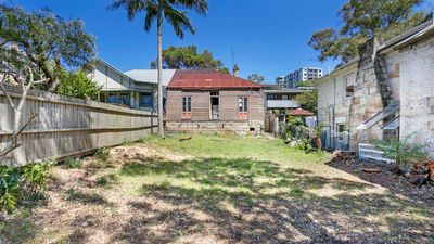 <strong>Crumbling Balmain cottage on sale for $3.3 million</strong>