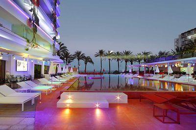 <strong>9. Ushuaïa Beach Hotel, Ibiza</strong>