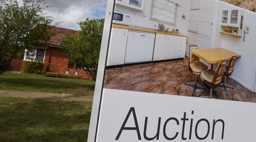 There are 688 auctions scheduled to take place across Australia this weekend. (AAP)