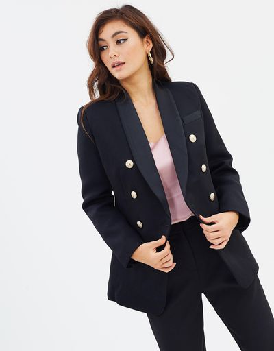 "<a href=""https://www.theiconic.com.au/the-sartorial-blazer-651741.html"" target=""_blank"" title=""Mossman The Sartorial Blazer in Black, $229.95"" draggable=""false"">Mossman The Sartorial Blazer in Black, $229.95</a>"