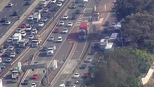 The truck shut all southbound lanes on the Sydney Harbour Tunnel this morning.