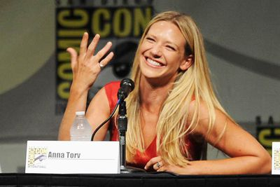 Aussie actress Anna Torv brings more than her fair share of hot to the <i>Fringe</i> panel.