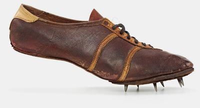 <strong>Adidas Modell Waitzer running shoe (1948)</strong>