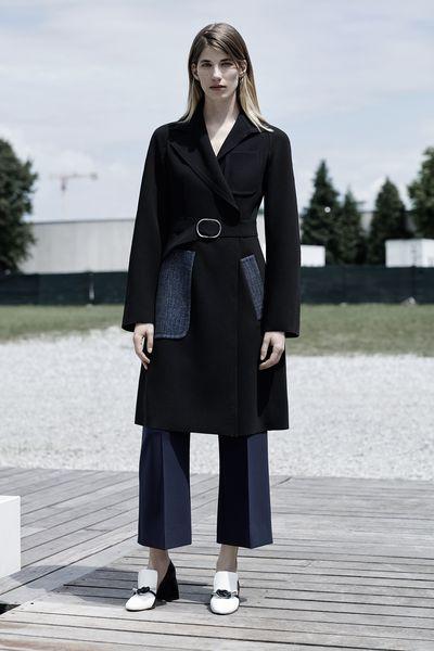 <p>Street style star Veronika Heilbrunner puts her <em>je ne sais quoi</em> to work as the face of Sportmax's Resort SS16 campaign.</p>