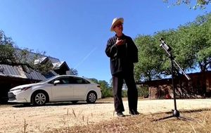 Texas man drives nearly 2000km to cast vote in person