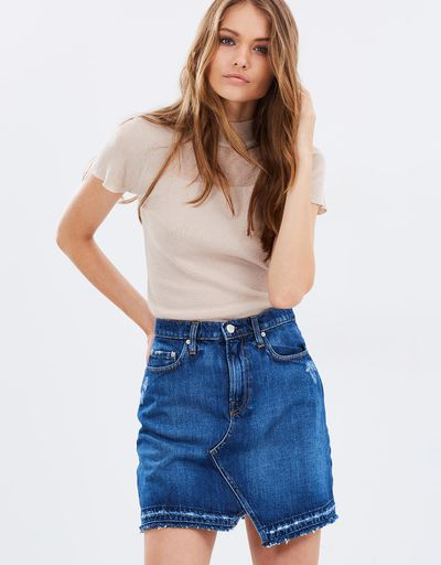 "<a href=""https://www.theiconic.com.au/phoebe-skirt-467705.html"" target=""_blank"" title=""Nobody Denim Phoebe Skirt in Angle, $74.50"">Nobody Denim Phoebe Skirt in Angle, $74.50</a>"