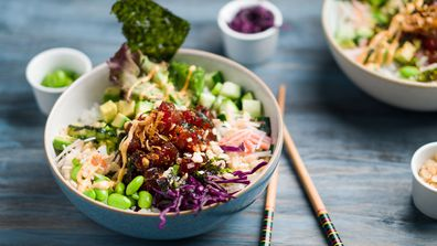 Poke bowl salad