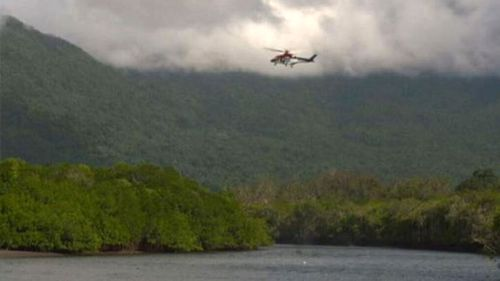 Helicopter patrols fail to locate Ms Waldron (9NEWS)
