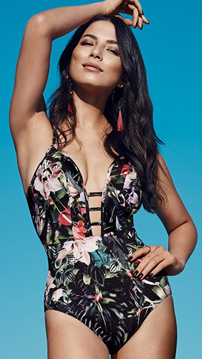 """<p>Jess in the Arcadia swimsuit from <a href=""""http://www.jets.com.au/swimwear/womens?gclid=Cj0KEQjw9r7JBRCj37PlltTskaMBEiQAKTzTfOk5fp3FQ3ZKBUg4HDSpt5i_qCFkUSgCp_9NywuGecUaArl-8P8HAQ&gclsrc=aw.ds"""" target=""""_blank"""">Jets</a>.</p> <p>""""We are delighted to be partnering with Jessica for the next 3 years. Jessica's popularity both within Australia and Internationally, perfectly align with the Jets brand as we expand into our next growth phase,"""" says managing director Eric Morris.</p>"""