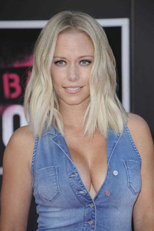 Kendra Wilkinson was one of Hef's three girlfriends from 2004 to 2008. (AAP)