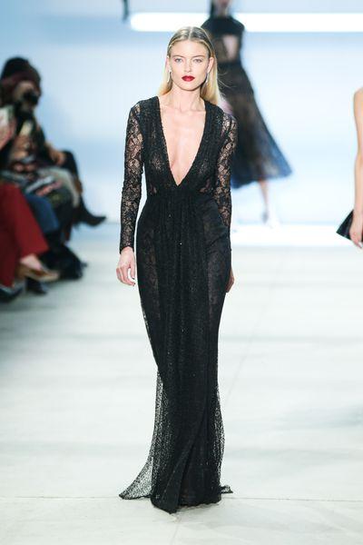 Martha Hunt for Cushnie et Ochs, autumn/winter '16, New York Fashion Week