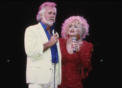 Kenny Rogers Dies At Age 81 Dolly Parton Leads Tributes As Celebrities Mourn Beloved Country Music Icon 9celebrity
