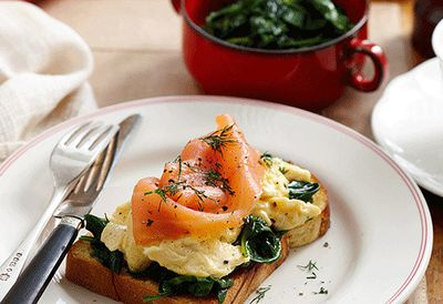 Scrambled eggs, spinach and salmon